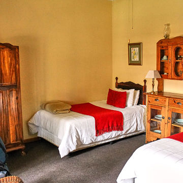 Foto: Gemütliches Hotelzimmer in der Aero Guest Lodge