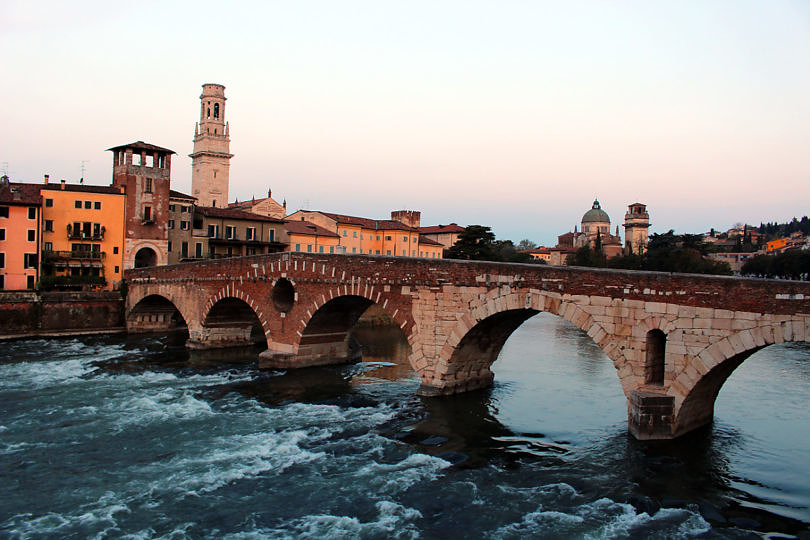 Foto: Blick auf die Ponte Pietra, 2016